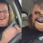 Una madre con una máscara de Chewbacca, el vídeo más visto en Facebook