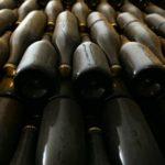 Subastan una botella de champán de 100 años por 116.000 euros