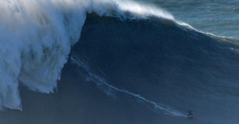 Una francesa podría haber surfeado la ola más grande en la historia del surf femenino