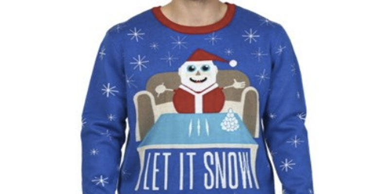 Retiran una línea de jerseys con Papá Noel esnifando cocaína